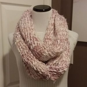 # 0037 Pink Winter Scarf
